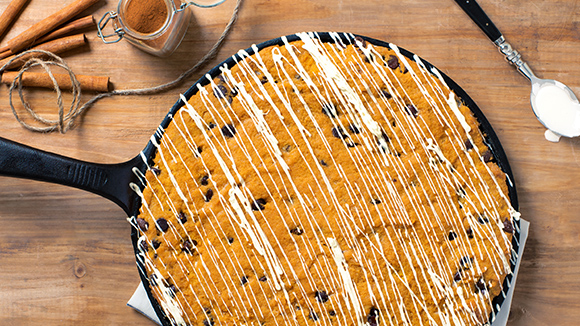 Bake a Cookie Dough Pumpkin Skillet Cake
